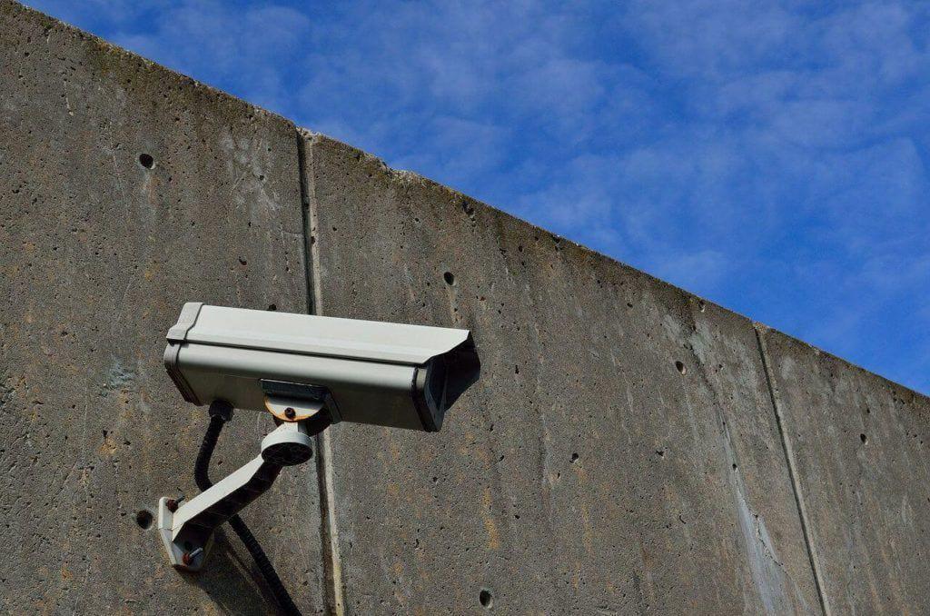 Hoy te hablamos sobre un apartado importante de la normativa de seguridad acerca de la videovigilancia